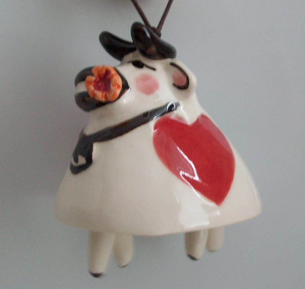 Souvenir Cow in love